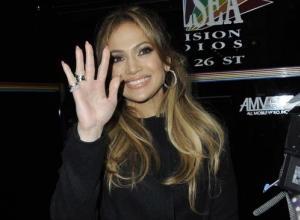 Jennifer Lopez's 'The Boy Next Door' Fails On All Levels