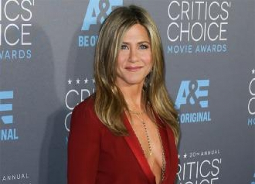 Jennifer Aniston: I Finally Feel 'Comfortable' Without Make Up