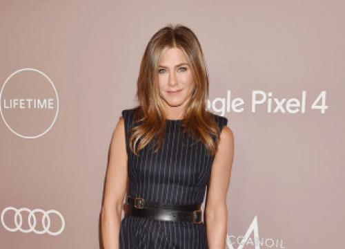 Jennifer Aniston Feels 'Weird' On Red Carpet