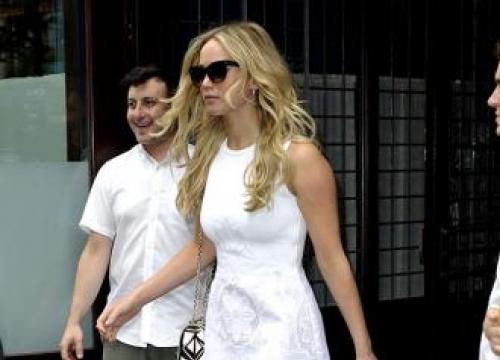 Jennifer Lawrence Splits From Chris Martin Again