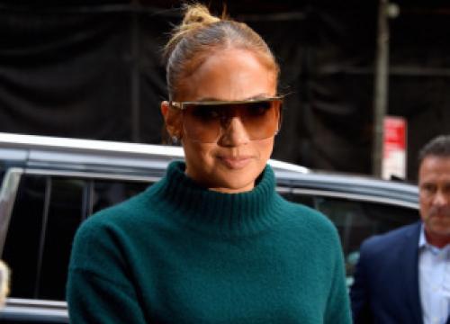 Jennifer Lopez To Lead Atlas Cast For Netflix