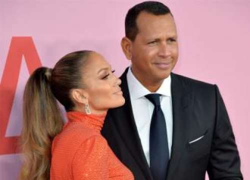 Jennifer Lopez Doesn't 'Count' Her First Two Marriages