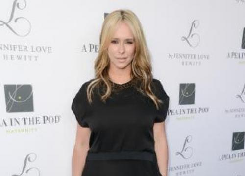 Jennifer Love Hewitt: Pregnancy is 'magical'