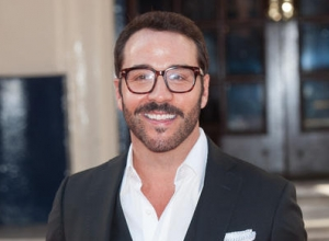 Jeremy Piven Will Return As Mr. Selfridge In Fourth Season