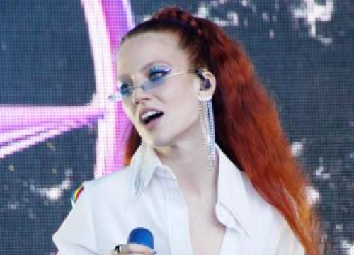 Jess Glynne's Control Issues