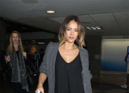 Jessica Alba struggles with homework