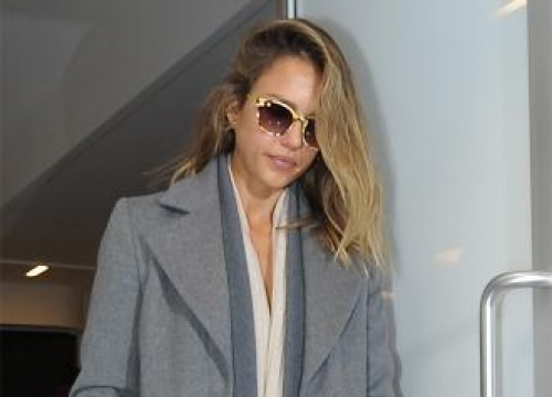 Jessica Alba's daughters criticise her look
