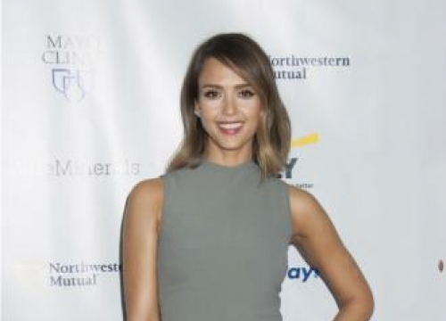 Jessica Alba wants to be richer