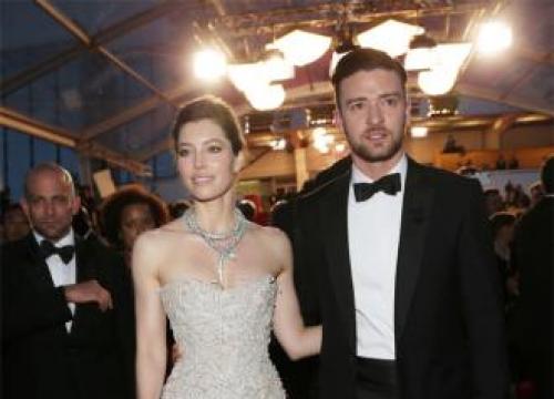 Justin Timberlake hires male nannies