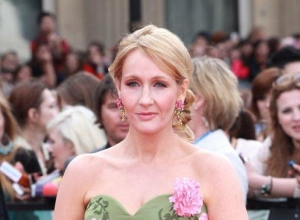 J.K. Rowling Hints At 'American Hogwarts' In 'Fantastic Beasts' Film
