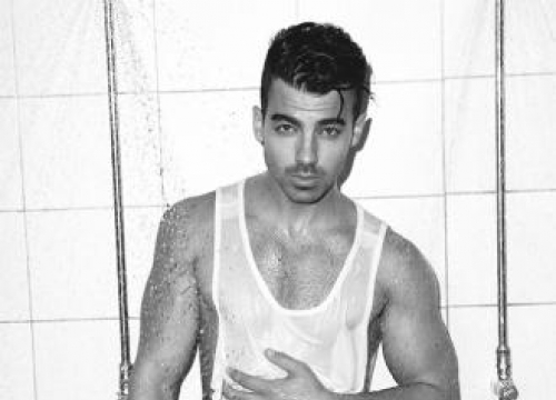 Joe Jonas Was Caught Watching Porn By His Father