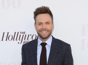 Joel McHale Named As Host Of 2015 ESPYS
