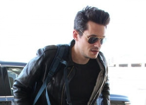 John Mayer: 'I Used Clothes To Cover Up Weight Gain From Drinking'