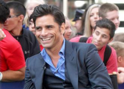 John Stamos Pays Tribute To Late Father
