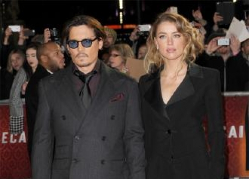 Johnny Depp to jet dogs back to US