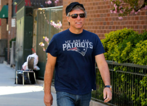 Jon Bon Jovi Happy With Career Rollercoaster