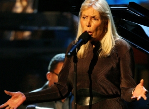 "Joni Mitchell ""Getting Stronger Each Day"" After Hospitalisation"