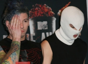 Twenty One Pilots Score First US Number 1 Album With 'Blurryface'