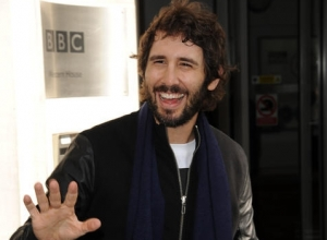 Josh Groban Addresses His Kelly Clarkson Duet For Showtunes Album 'Stages' [Video]