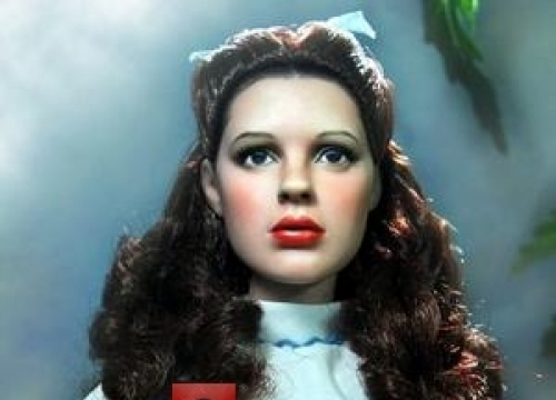 Divers Search For Judy Garland's Stolen Ruby Slippers