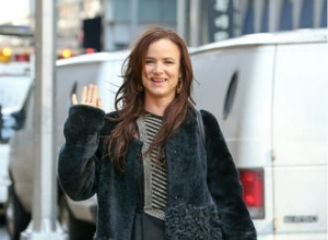Juliette Lewis is 'manic and crazy'