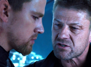 'Jupiter Ascending' Is More Eye-Catching Wachowski Fun