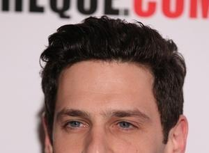 'Hangover' Star Justin Bartha Marries Fitness Instructor Lia Smith