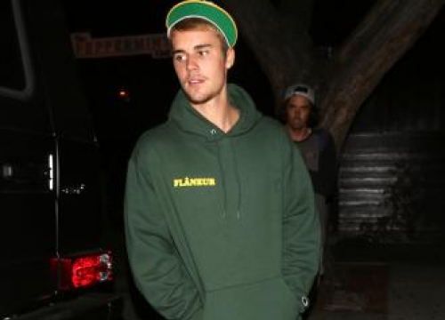 Justin Bieber Working On Being Generous