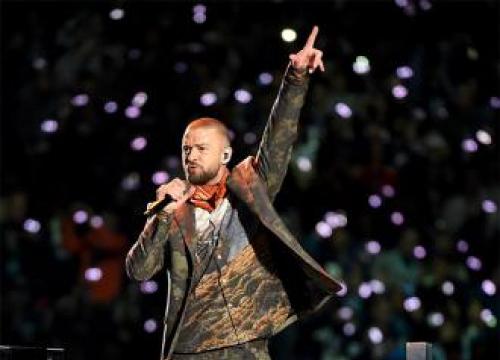 Justin Timberlake Visits Children's Hospital