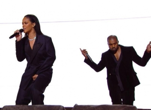 Rihanna, Kanye West & Paul McCartney - FourFiveSeconds [Live] Video