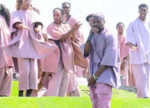 Kanye West Debuts New Song Water At Coachella Sunday Service