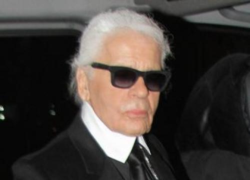 Karl Lagerfeld owns 300,000 books