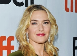 Kate Winslet Re-Enacts THAT 'Titanic' Scene With Bear Grylls On Survivalist TV Show