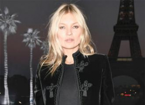 Kate Moss Gives Daughter Makeup Tips