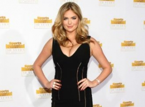 Kate Upton has set an 'example' to girls