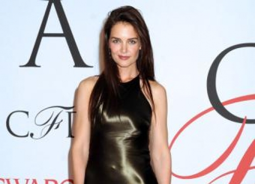 Katie Holmes loves books