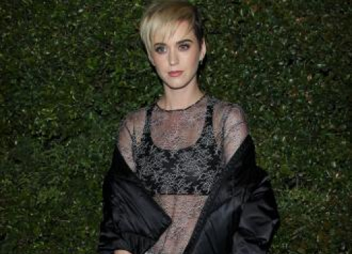 Katy Perry Pays Tributes To Victim Of Concert Explosion