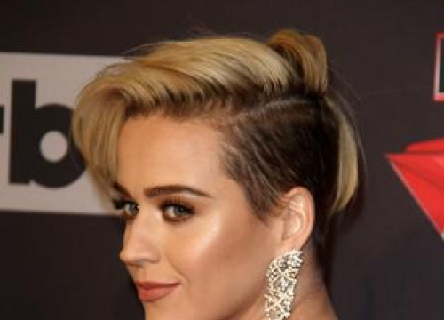 Katy Perry Calls On Taylor Swift To End Feud