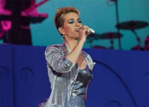 Katy Perry's Glastonbury Stage Dive