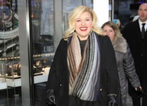 Kelly Clarkson's cool mother-in-law
