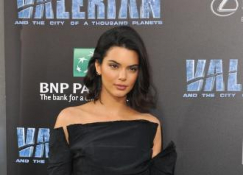 Kendall Jenner's Family Threw Out 'all The Tweezers' To Stop Her Plucking Her Eyebrows