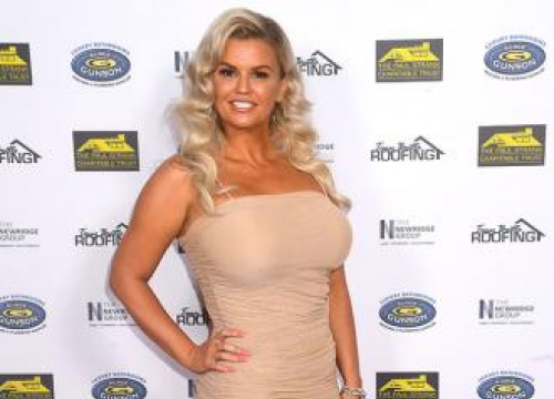 Kerry Katona Loves 'painting By Numbers'