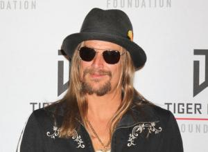 "Kid Rock Explains Why He Doesn't ""FaceTweet,"" And Talks Being A Young ""Old Guy"""