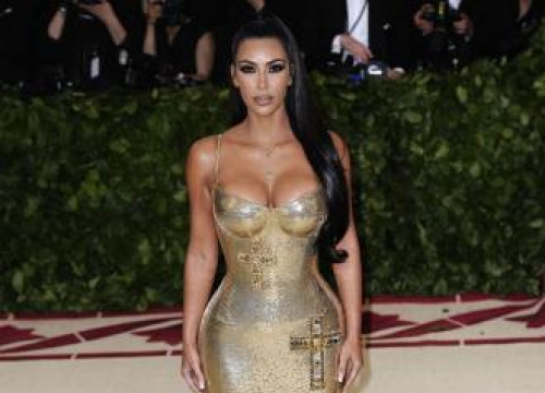 Kim Kardashian West 'Physically Couldn't Use Her Hands During Psoriatic Arthritis