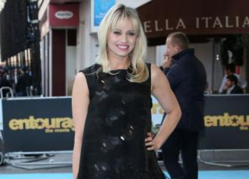 Kimberly Wyatt Lifts Weights With Her Baby