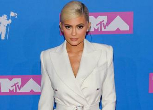 Kylie Jenner 'very Torn' By Jordyn Woods' Betrayal