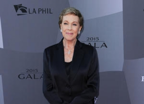 Julie Andrews Recalls Falling From Harness During Mary Poppins Stunt