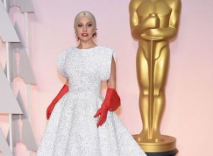 Lady Gaga cried during Julie Andrews performance