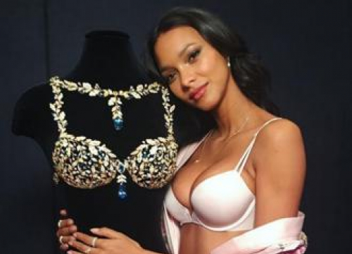 Lais Ribeiro Wows In Champagne Fantasy Nights Bra At Vs Fashion Show