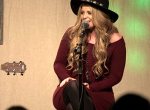 Lauren Alaina - My Kind of People [Acoustic] Video